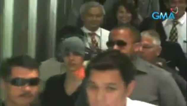 Justin Bieber arrives in Manila